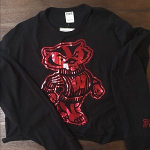 WI Badger long sleeved t/lightweight sweatshirt